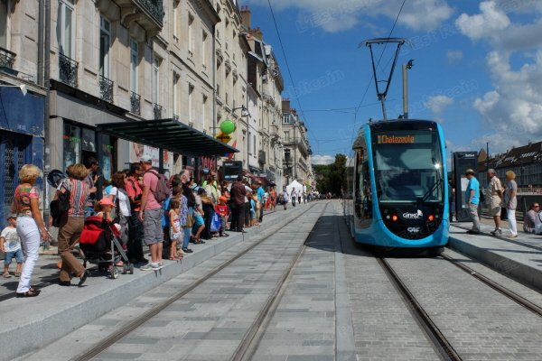 Besan on le tramway le moins cher de france for Piscine besancon