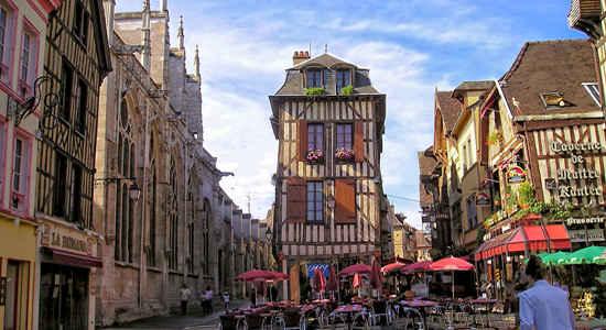 Troyes recrutement d un charg de mission commerce for Piscine des chartreux troyes